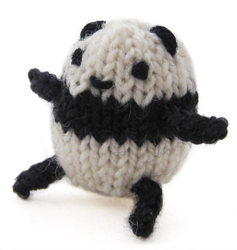 tiny knit panda