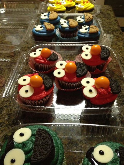 sesame street cupcakes colored sugar