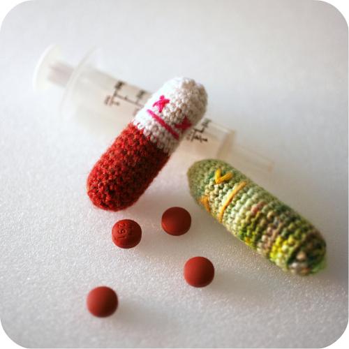 amigurumi crocheted pills